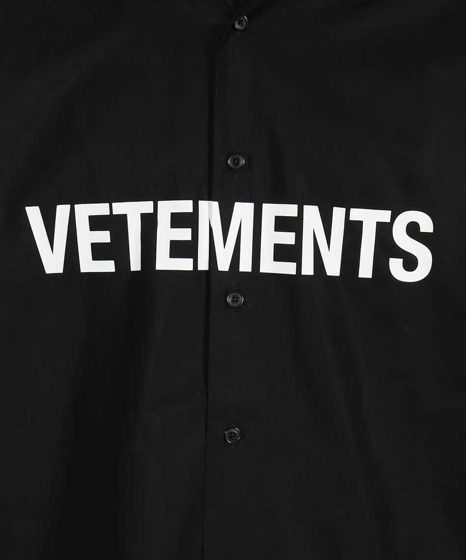 Vetements UE51SH300B FRONT LOGO Shirt 3