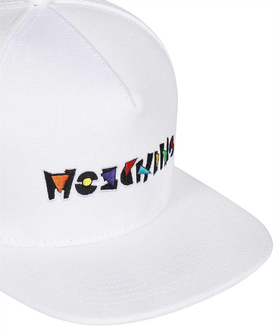 Moschino A9202 8266 Cap 3